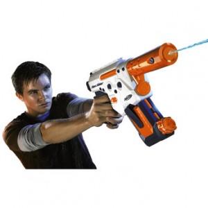 Pistolet mitrailleur à eau Nerf