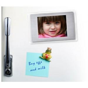 cadre photo numerique magnet frigo4 Top 10 des cadeaux de noël originaux pour elles, les femmes