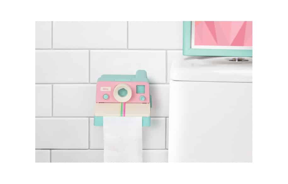 distributeur papier toilette polaroid super insolite. Black Bedroom Furniture Sets. Home Design Ideas