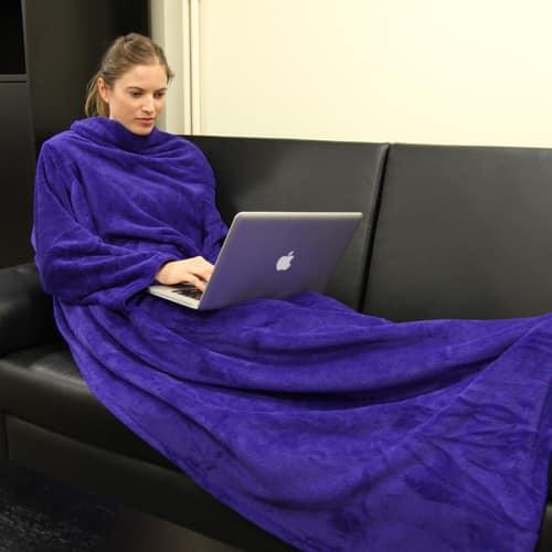 couverture à manche bleue