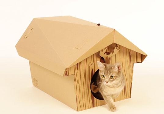 cabane chalet en carton pour chat le chalet du chat super insolite. Black Bedroom Furniture Sets. Home Design Ideas