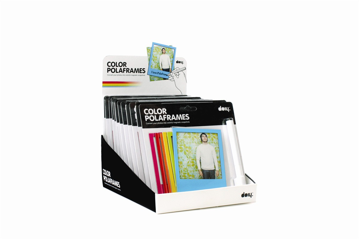 cadres photo polaroid aimant s couleurs petite d co magnet fa on pola pour le frigo super. Black Bedroom Furniture Sets. Home Design Ideas