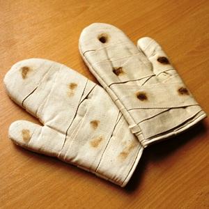 Gant de cuisine manique bandage pansement 1 super insolite for Manique de cuisine