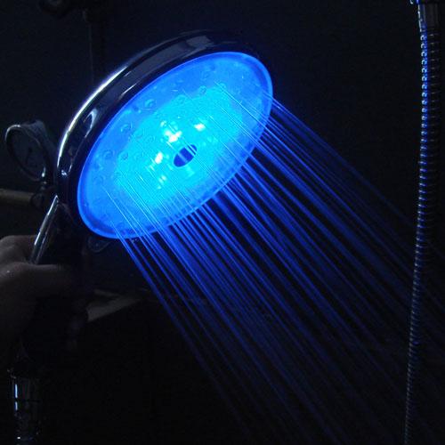 Pommeau douche lumineux led bleu 3 super insolite - Pommeaux de douche led ...