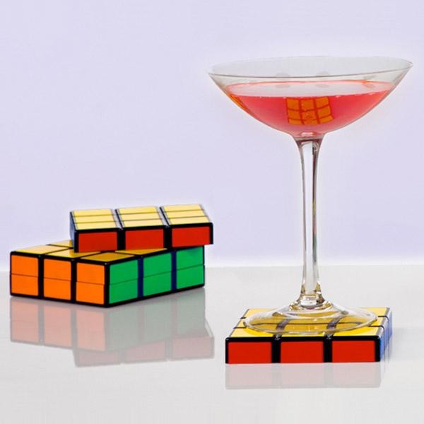 dessous de verre rubik 39 s cube des sous bocks d co qui ne manquent pas de logique super. Black Bedroom Furniture Sets. Home Design Ideas