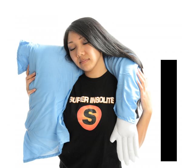 oreiller coussin c lin bras d 39 homme super insolite. Black Bedroom Furniture Sets. Home Design Ideas