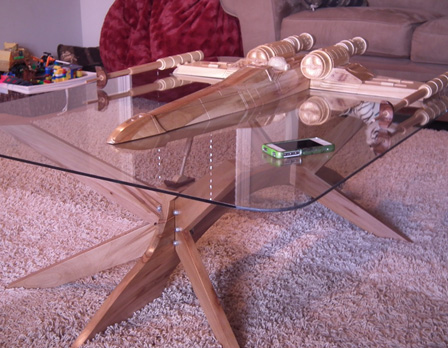 table basse star wars x wing table design de salon star wars unique super insolite. Black Bedroom Furniture Sets. Home Design Ideas