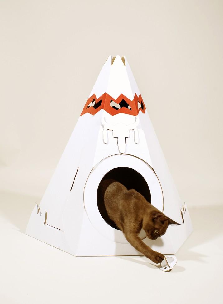 tipi en carton pour chat la cabane pour chats et petits chiens en forme de tipi indien. Black Bedroom Furniture Sets. Home Design Ideas