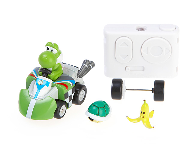 circuit mario kart et yoshi mario kart en voiture t l command e cadeau geek super insolite. Black Bedroom Furniture Sets. Home Design Ideas