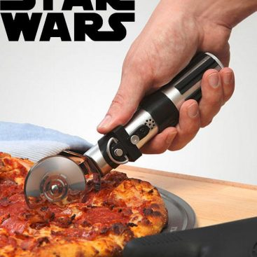 Découpe pizza sabre laser Star Wars