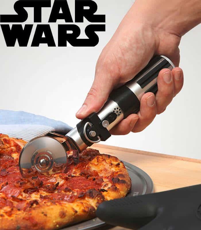Découpe pizza sabre laser Star Wars