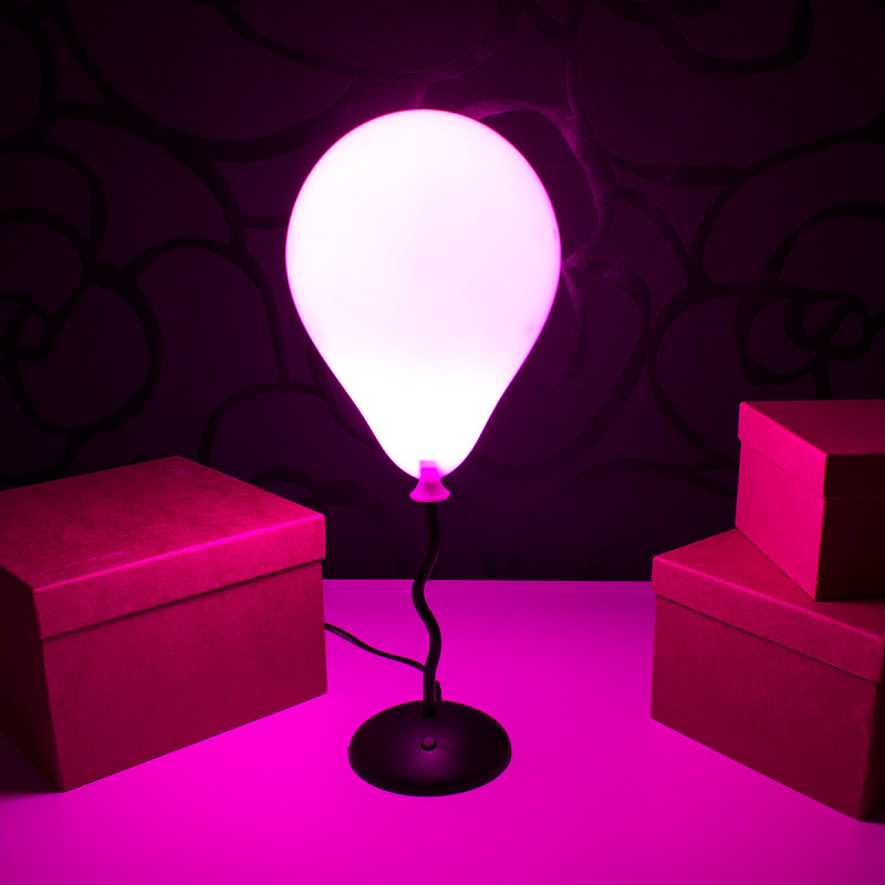 lampe veilleuse ballon super insolite. Black Bedroom Furniture Sets. Home Design Ideas