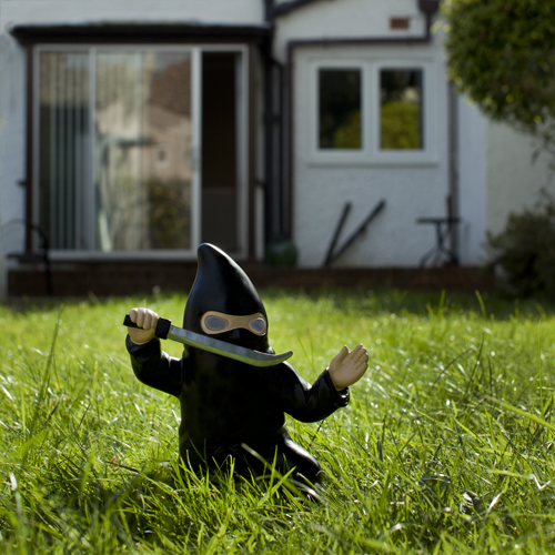 Ninja Nain de Jardin  Super Insolite
