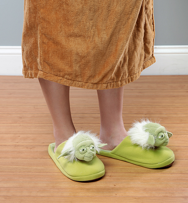 chaussons star wars yoda homme cadeau insolite super insolite. Black Bedroom Furniture Sets. Home Design Ideas