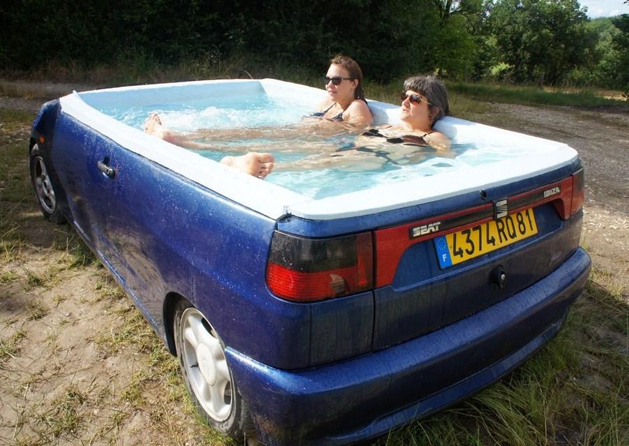 15 piscines improvis es insolites super insolite for Grosse piscine gonflable