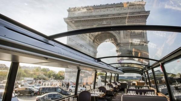diner dans un bus à paris