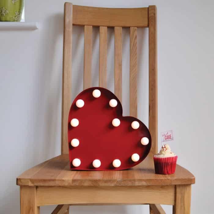 Coeur d co lumineux lampe super insolite for Objet deco design rouge