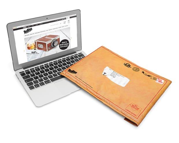 Housse d 39 ordinateur portable enveloppe super insolite for Housse ordinateur portable
