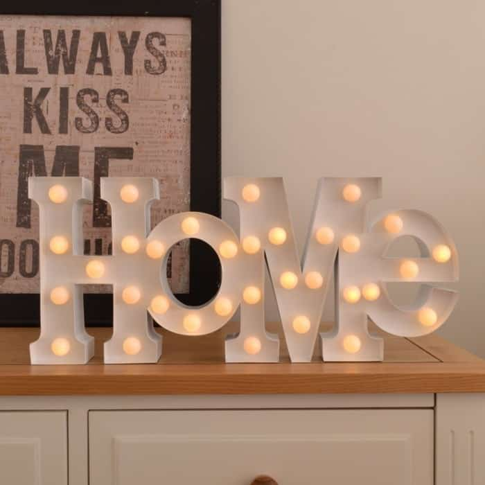 lettres lumineuses home lampe super insolite. Black Bedroom Furniture Sets. Home Design Ideas