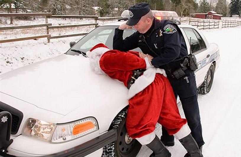 pere-noel-insolite-police