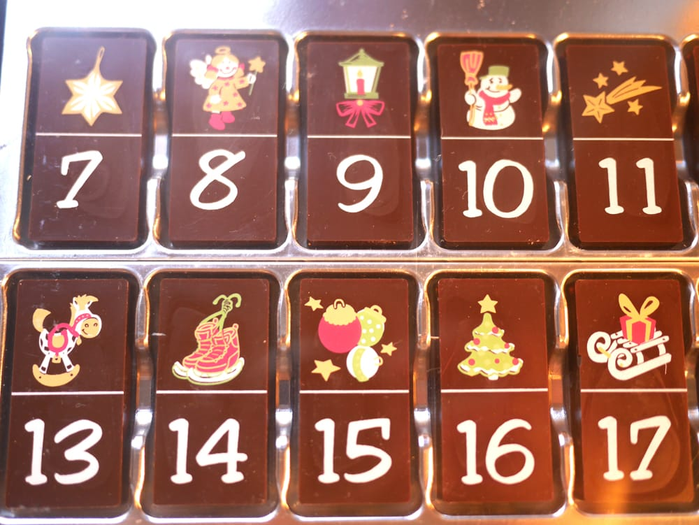 calendrier de l 39 avent 100 chocolat super insolite. Black Bedroom Furniture Sets. Home Design Ideas