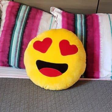 coussin coeur emoji