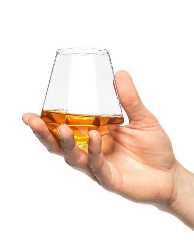 verre à whisky en diamant