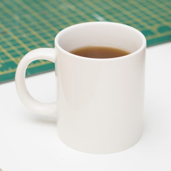 mug chewing gum