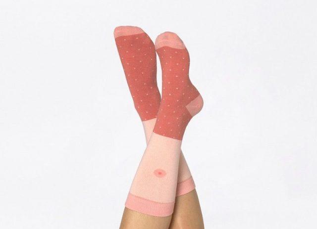 chaussettes seins