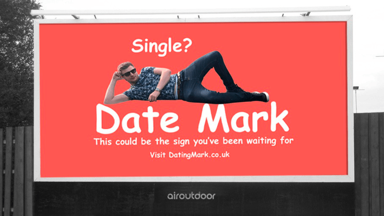 mark celibataire insolite